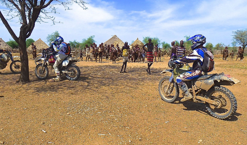 randonnee raid safari moto kenya ethiopie lac turkana vallee de l 39 omo. Black Bedroom Furniture Sets. Home Design Ideas