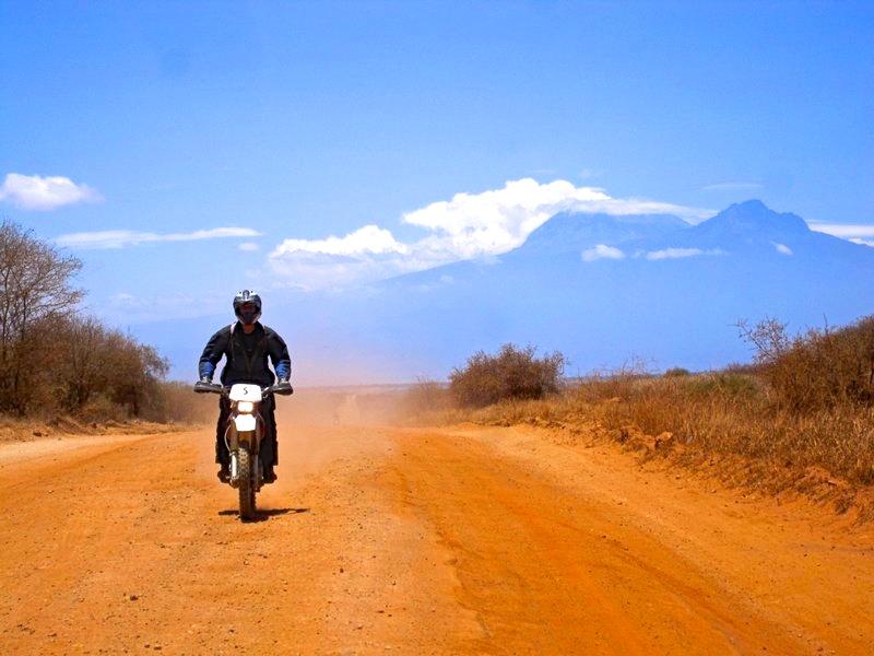 safari moto sud kenya kilimandjaro et cote ocean indien. Black Bedroom Furniture Sets. Home Design Ideas